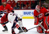 Hurricanes place struggling goalie Scott Darling on waivers
