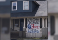 A bad sign for Kentucky? Wildcat fan hangs sign, saying they'll finish what Hurricane Harvey started