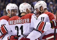 Carolina Hurricanes top Toronto Maple Leafs