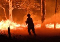 As death toll rises, Australia sending aid to towns afflicted by wildfires