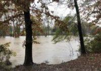 'Be careful': Flooding damage keeps a lane closed on I-95